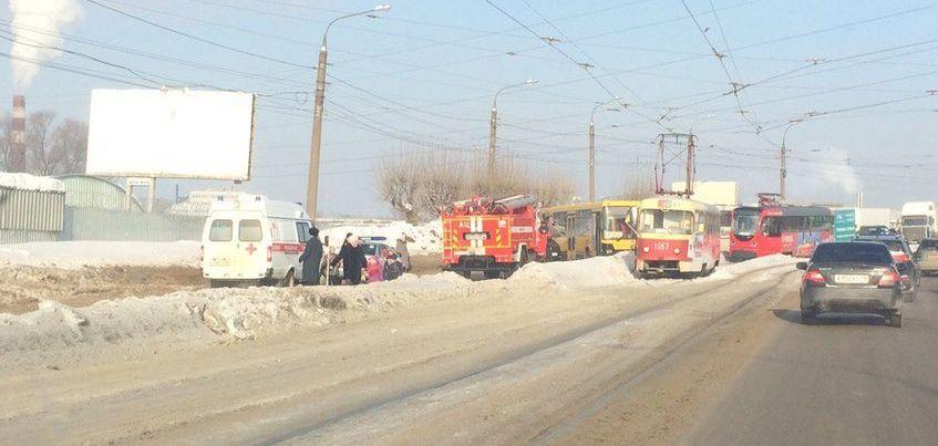 В Ижевске общественный транспорт не идет в сторону железнодорожного вокзала из-за ДТП