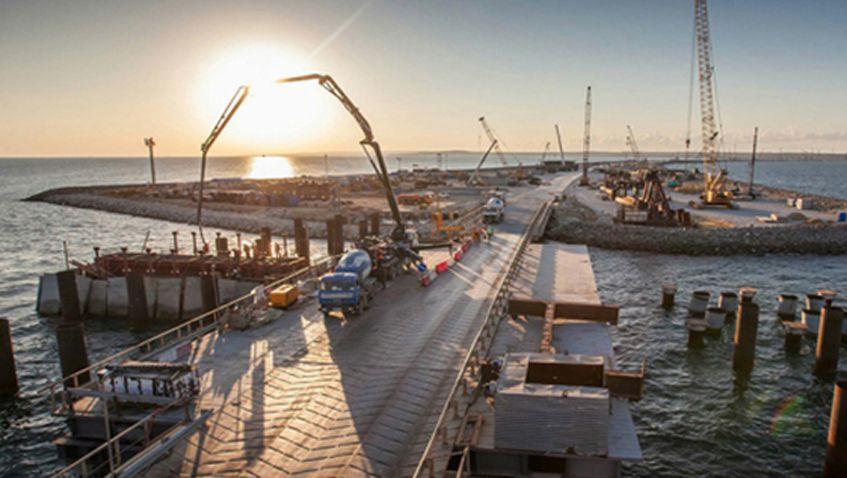 Строители из Ижевска, которые ехали строить мост в Крым, чуть не замерзли от холода на трассе