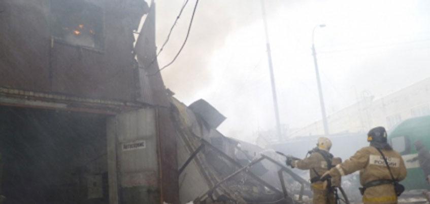 В Ижевске в мкрн Шунды сгорели два гаража, в которых мог неофициально располагаться автосервис