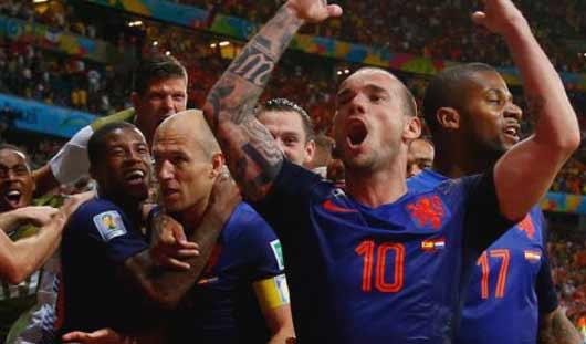 ЧМ-2014: команда Нидерландов обыграла Австралию