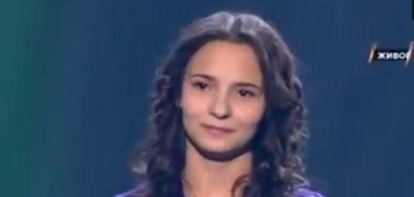 Видео: 15-летнюю воспитанницу детского дома из Удмуртии поддержала на ТВ-шоу «Ты супер!» певица Юлия Началова