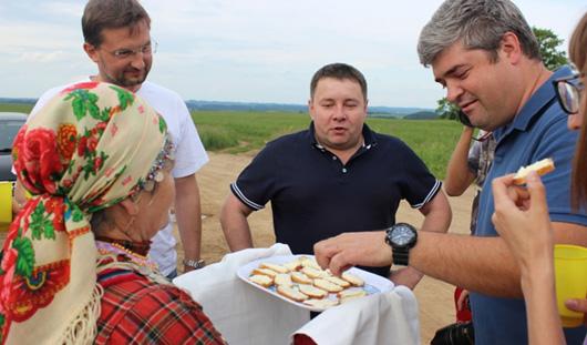 Блогер и путешественник Сергей Доля вписал Ижевск в слово «Россия»