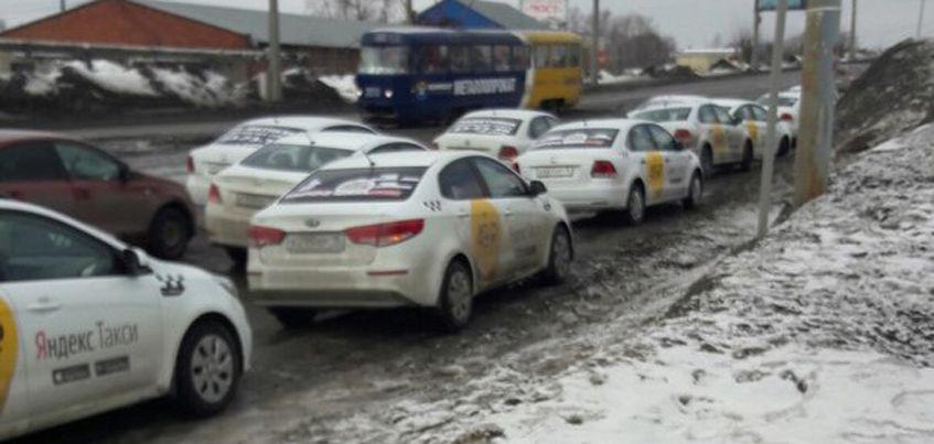 Коллеги погибшего водителя из «Яндекс. Такси» в Ижевске почтили его память