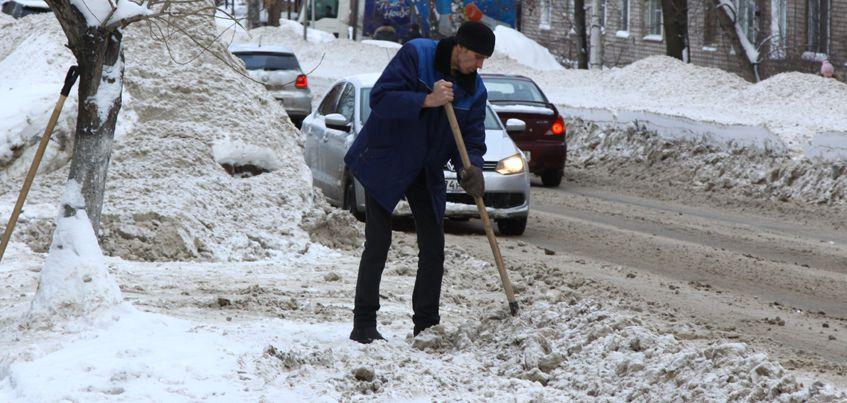 В Ижевске оштрафовали несколько организаций за плохую очистку дорог от снега