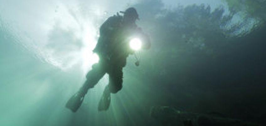 Дайверу из Ижевска удалось достичь дна самой глубокой пещеры в России