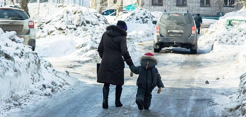 Большой каток: в Ижевске из-за гололеда выросло количество ушибов, переломов и выбитых зубов