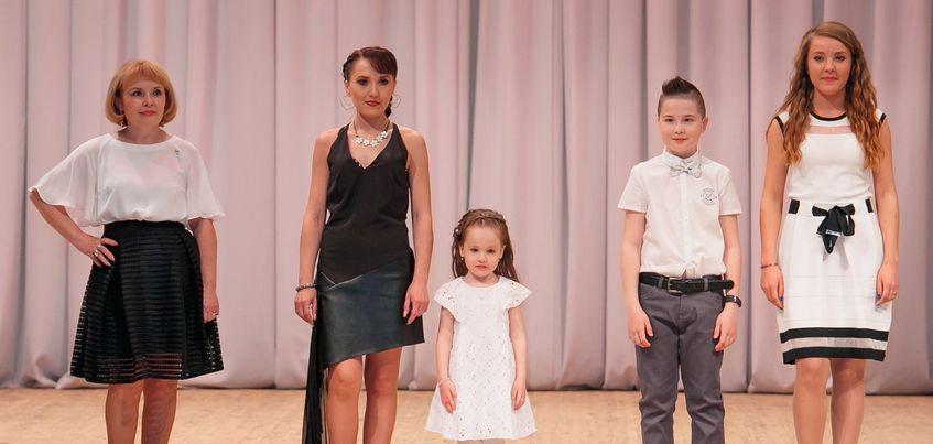От мала до велика: члены одной ижевской семьи все вместе начали карьеру моделей