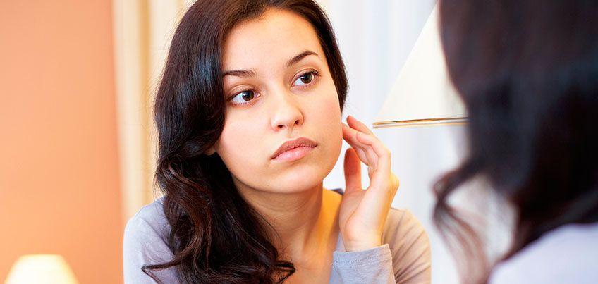 Сухая кожа - нехватка витаминов, а желтоватая - проблемы с печенью: как определить болезнь по лицу?