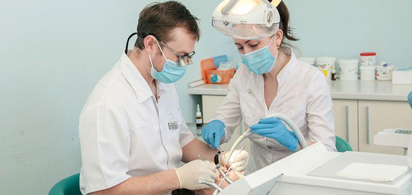 Ижевский стоматолог: «Пациентка попросила клыки, как у вампира»