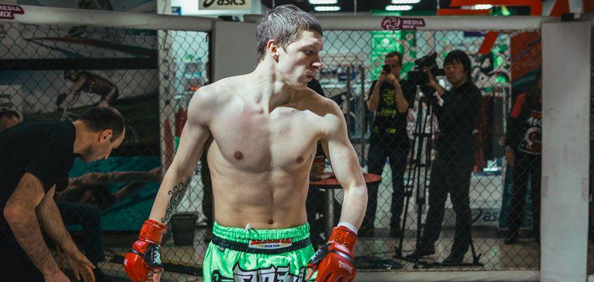 Спортсмен из Ижевска на первых секундах боя отправил в нокаут своего противника