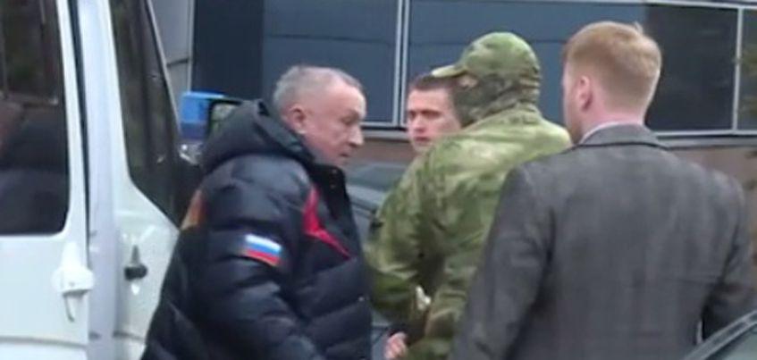 Видео: Главу Удмуртии доставили в Следственный комитет России