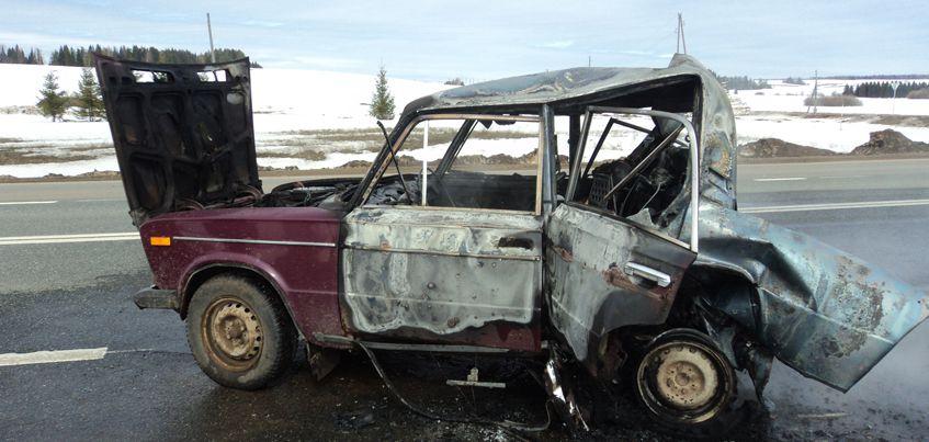 Два человека погибли при столкновении грузовика и легковушки в Удмуртии