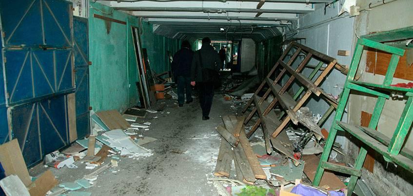 В подземном переходе возле «Электротехники в быту» в Ижевске навели порядок