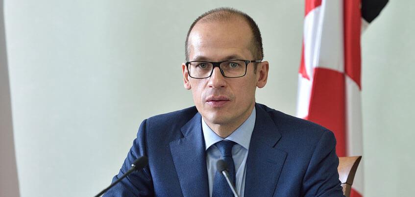 Проблема выбора Главы Удмуртии. От какой партии пойдет Александр Бречалов?