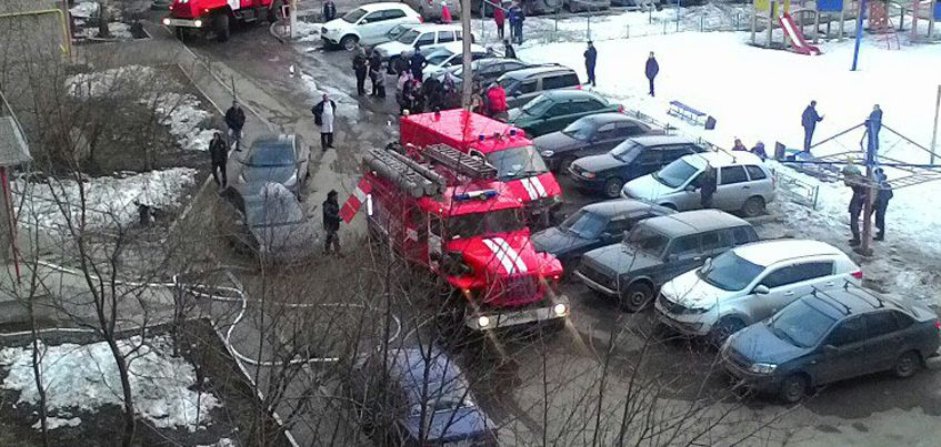 6-летний ребенок устроил пожар в доме по Карла Маркса в Ижевске и чудом не погиб