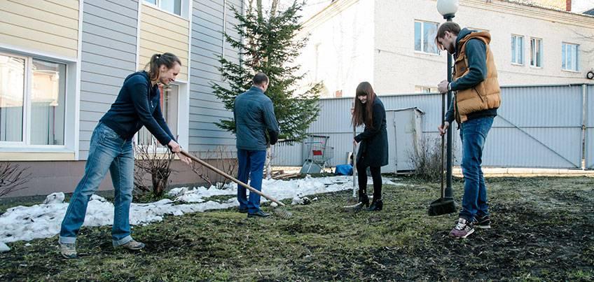 Как ижевчане без официальных субботников заботятся о чистоте города