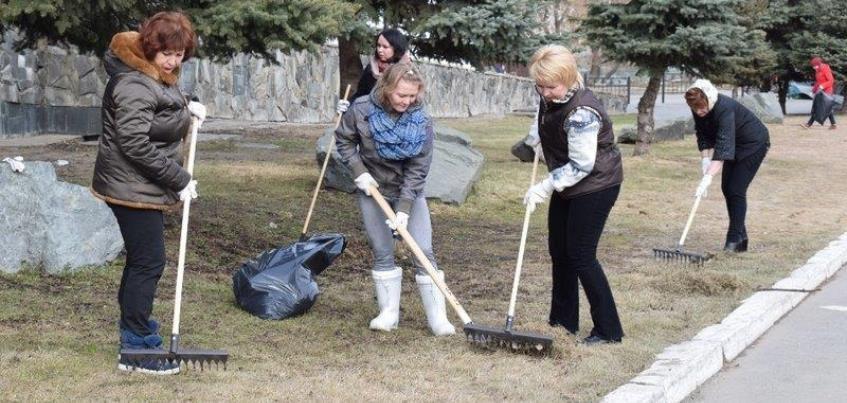 Депутаты Госсовета Удмуртии 14 апреля вышли на субботник