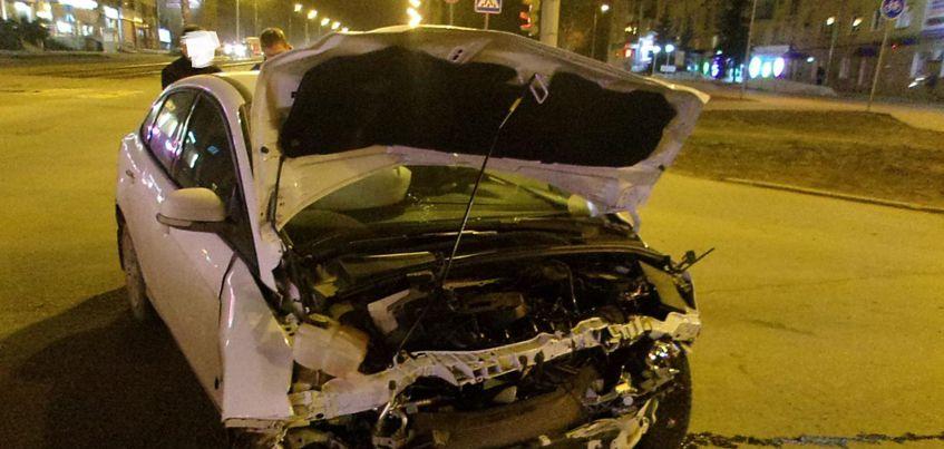 ГИБДД: Две иномарки столкнулись в Ижевске на улице Кирова