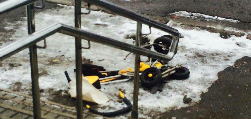 В Ижевске на улице Автозаводской грузовик насмерть раздавил ребенка в коляске