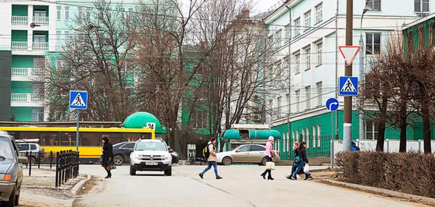 В Ижевске перенесли пешеходный переход рядом с УдГУ