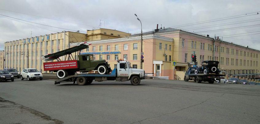 Ижевчане заметили на дорогах города военную технику для парада Победы