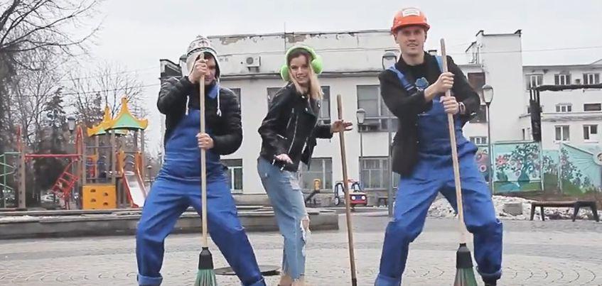 Видео: ижевчане призывают выйти на очередной общегородской субботник