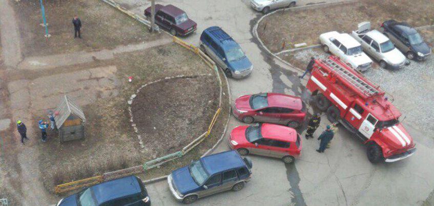 В Ижевске оцепили подъезд у дома на улице Союзной из-за подозрительной сумки