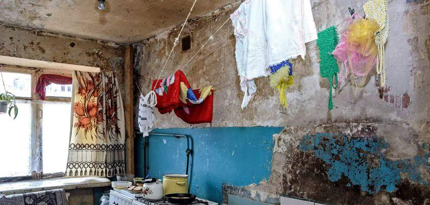Фотограф из Ижевска сделал репортаж из разваливающихся домов на Воткинском шоссе