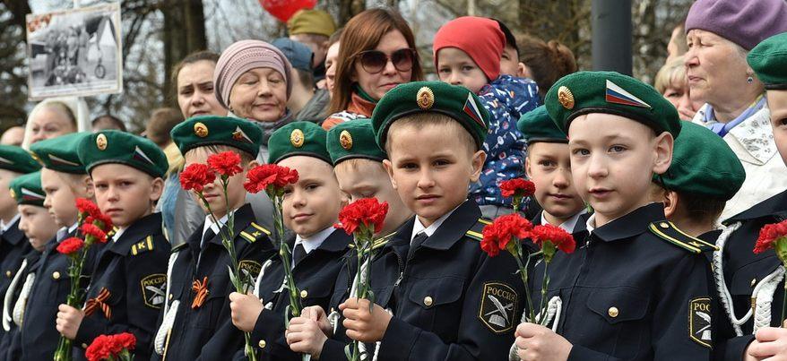 Врио Главы Удмуртии Александр Бречалов возложил цветы к Вечному огню в Ижевске