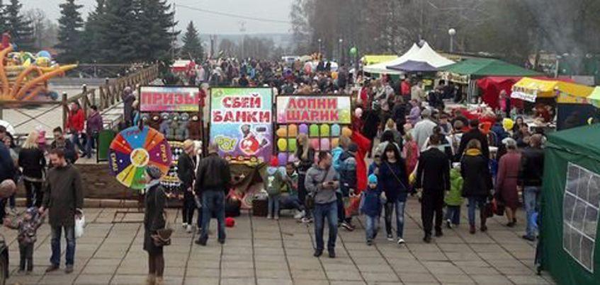 В День Победы на Центральной площади Ижевска потерялись 5 детей