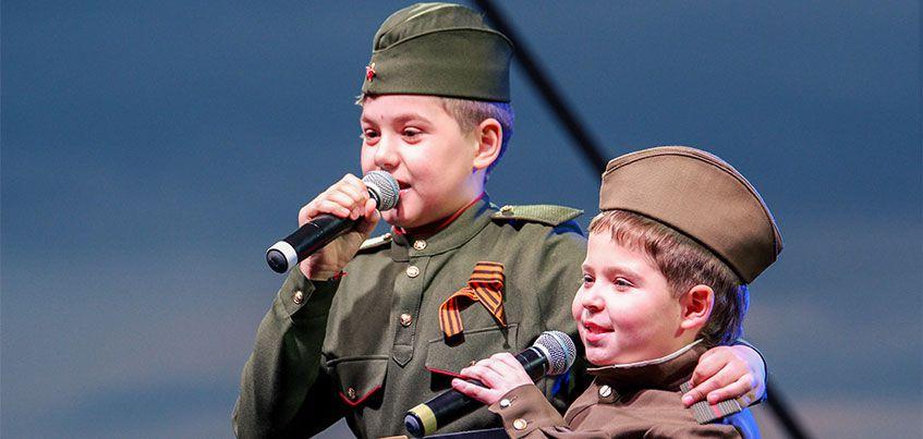 Авторские песни, новые номинации и больше 10 тысяч зрителей: в Ижевске прошла «Караоке-битва»