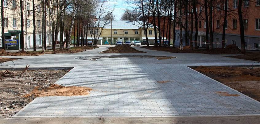 В Ижевске начали облагораживать сквер на улице Ленина