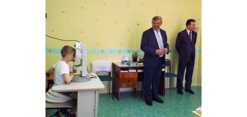 Ижевскую школу №218 для детей с нарушением зрения оснастили медицинским оборудованием