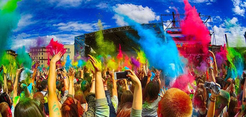 Фестиваль красок «Холи» и открытие веревочного парка: чем заняться в Ижевске с 19 по 26 мая