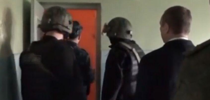 Как велись переговоры с мужчиной, который «взял в заложники» женщину и ее дочь в Ижевске?