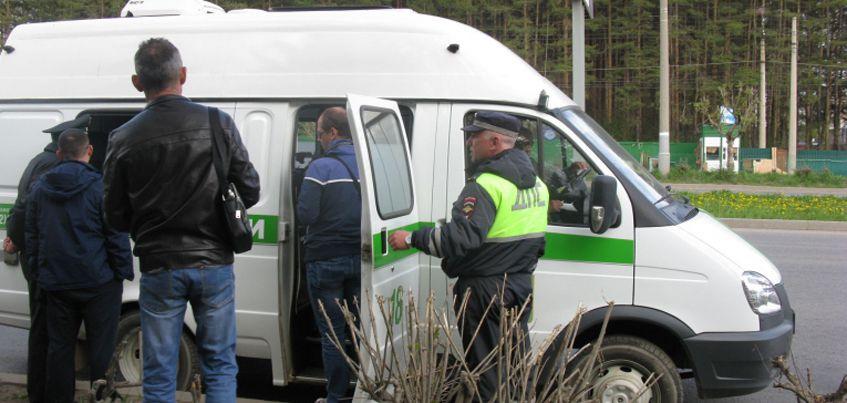 Судебные приставы Удмуртии арестовали 12 автомобилей должников