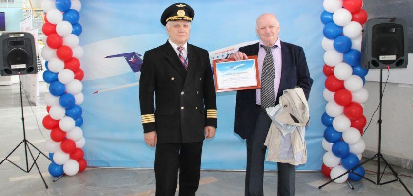100-тысячным пассажиром «Ижавиа» с 2017 года стал известный профессор Юрий Слонимский