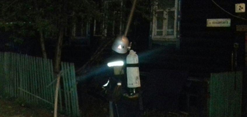 В Ижевске в пожаре на улице Володарского сгорели 5 машин