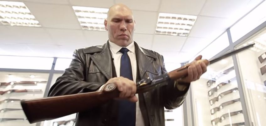 Ижевский Концерн «Калашников» изготовил по спецзаказу два ружья для боксера Николая Валуева
