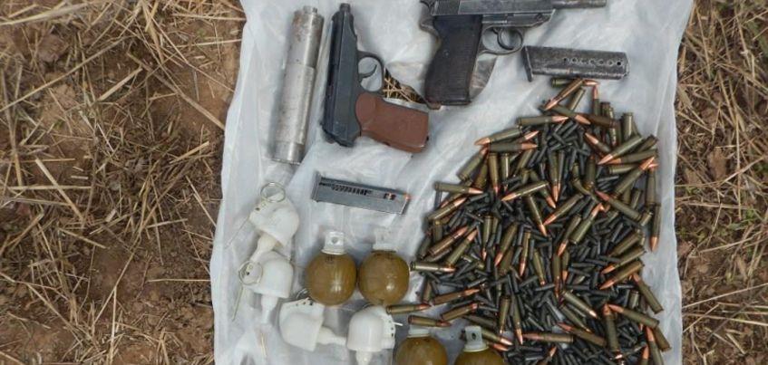 В Удмуртии сотрудники полиции нашли тайник с оружием и боеприпасами