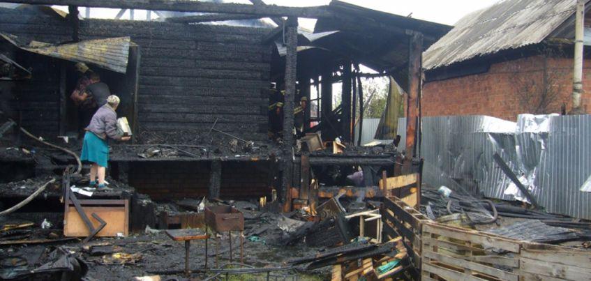 В Ижевске из-за пожара без дома осталась целая семья