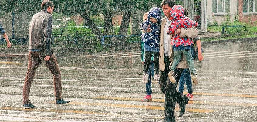 Холодное лето в Ижевске: дети в перчатках, неурожаи и засилие клещей