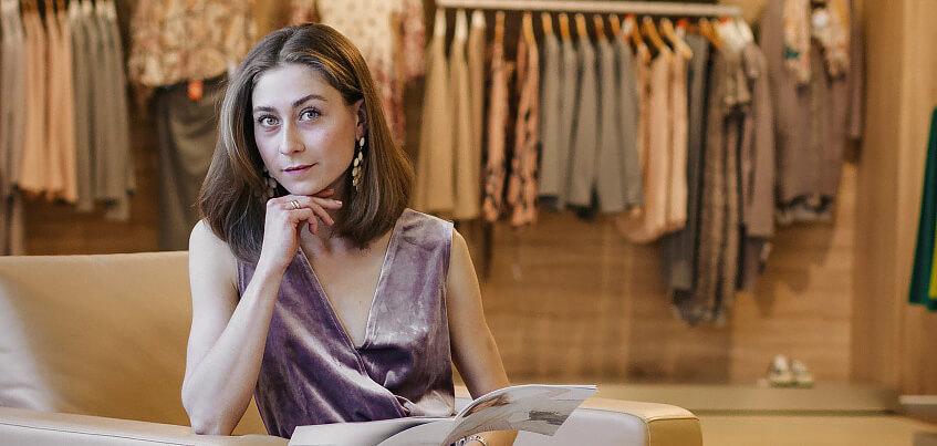 Ижевская Эвелина Хромченко – Яна Гинюк: «Мне легче отказать себе в покупке продуктов, чем в новых вещах»