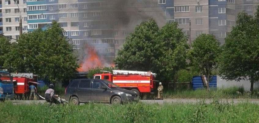 Источник: тело мужчины нашли при пожаре на Клубной в Ижевске
