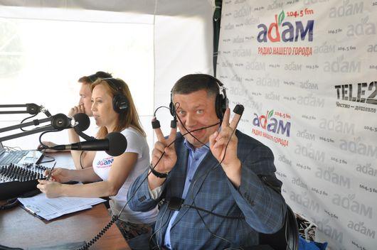 В День молодежи ведущие радио «Адам» проверили ижевчан на детекторе лжи