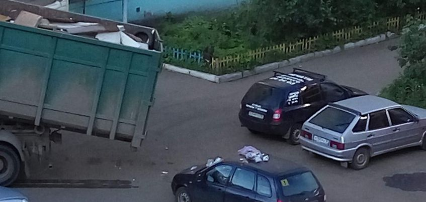 В Ижевске на улице Гагарина водителя наказали за неправильную парковку