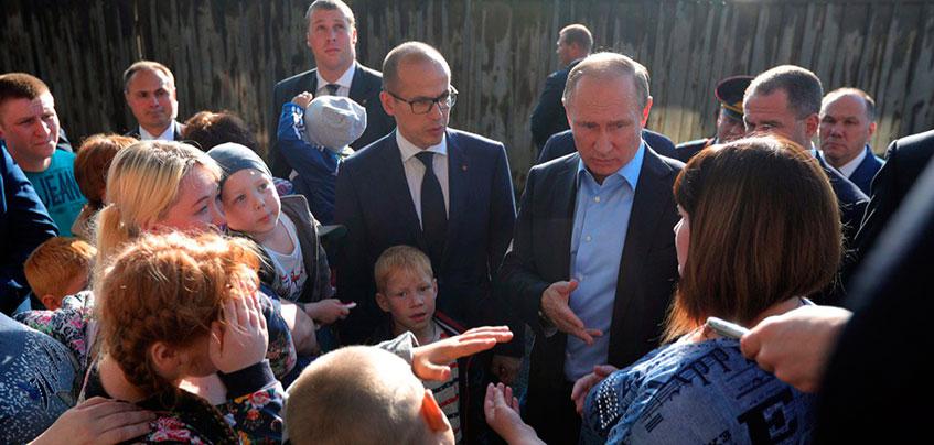 Владимир Путин в Ижевске: Федерация поможет с расселением из ветхого жилья