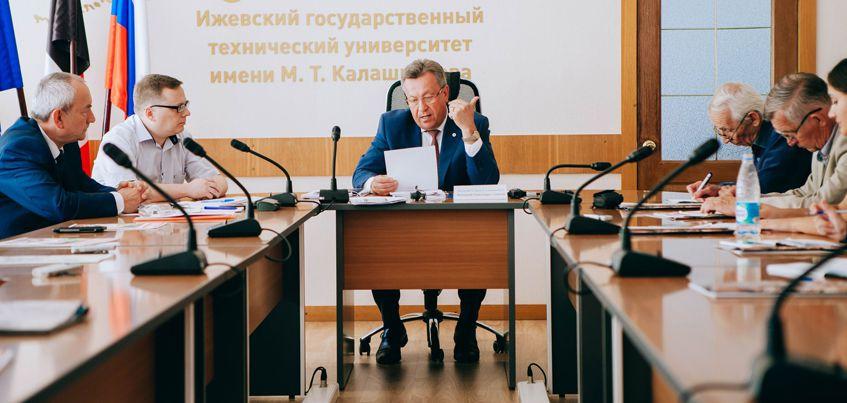 К юбилею Михаила Калашникова ИжГТУ откроет сквер и учредит именные стипендии и гранты