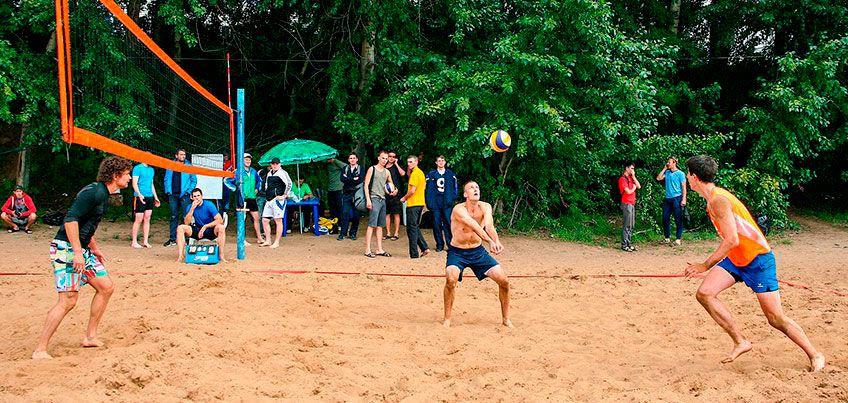 Турнир по настольному футболу и аэрохоккею, волейбол на пляже, баскетбол на колясках: спортивные события в Ижевске