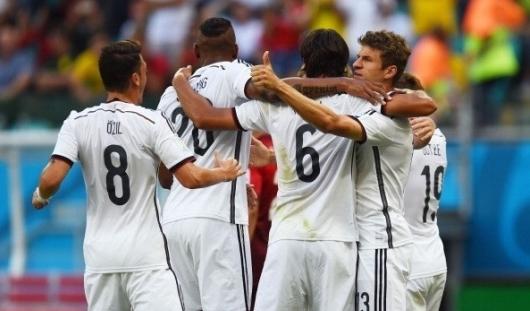 ЧМ-2014: сборная Германии обыграла Алжир со счетом 2:1